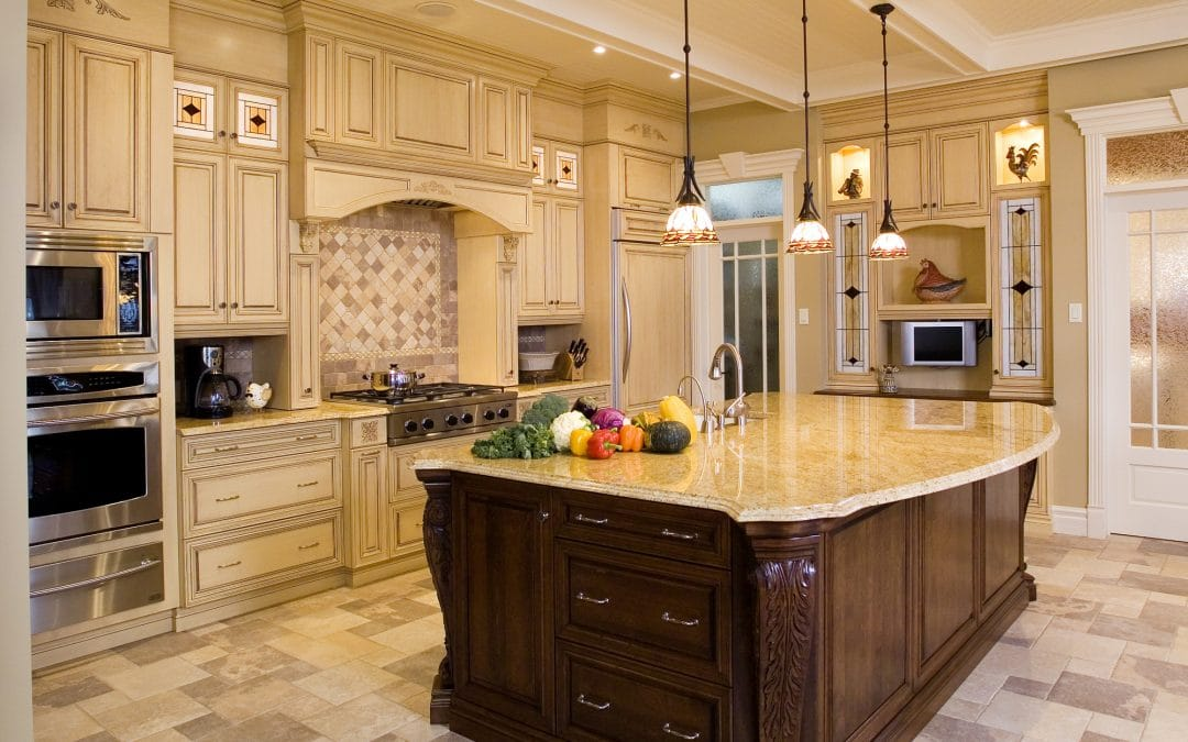 3 Great Reasons to Glaze Your Kitchen Cabinets